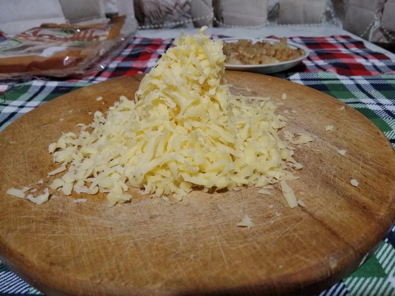 Натереть сыр