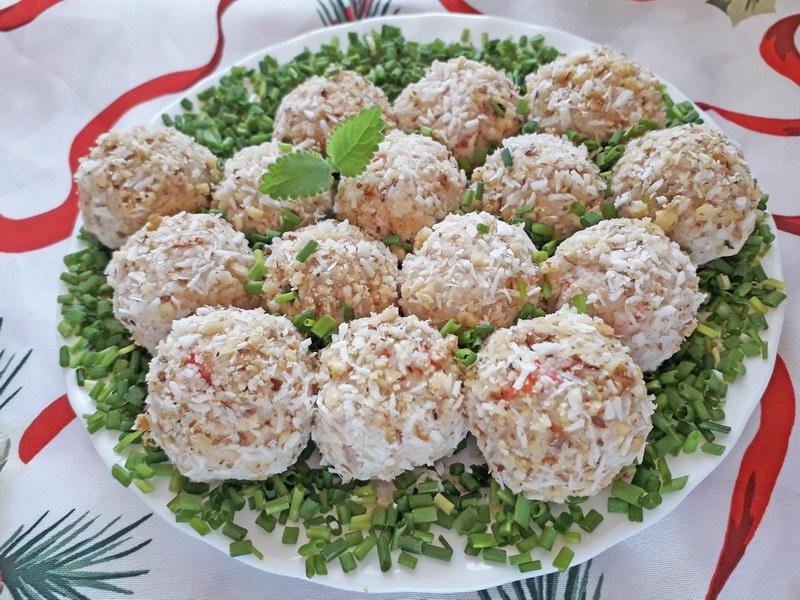 Салат-закуска «Рафаэлло» с Крабовыми палочками