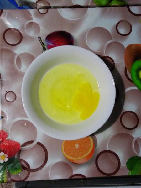 Разбить яйцо и белки