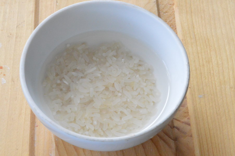 Замочите рис