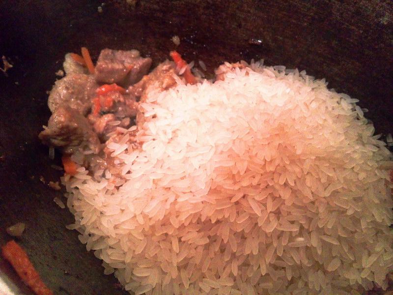Всё перемешиваем и добавляем рис