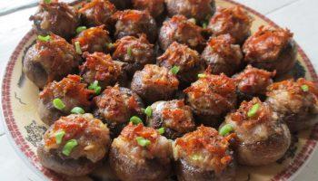 Как сделать вкусные грибы еще вкуснее! — Рецепт фаршированных грибных шляпок