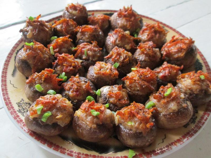 Как сделать вкусные грибы еще вкуснее, рецепт фаршированных грибных шляпок