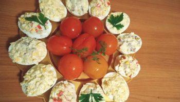 Фаршированные яйца – главная закуска советского стола (3 вида начинок)