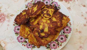 Оранжевые оладушки от бабушки. Только тыква, яйца и мука — просто и вкусно