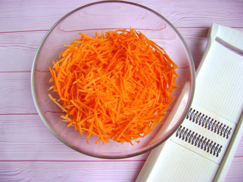 Морковь по-корейски (детский вариант - не острая)
