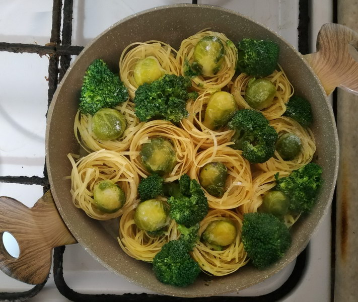 Простое постное блюдо «Зелёные гнёзда»