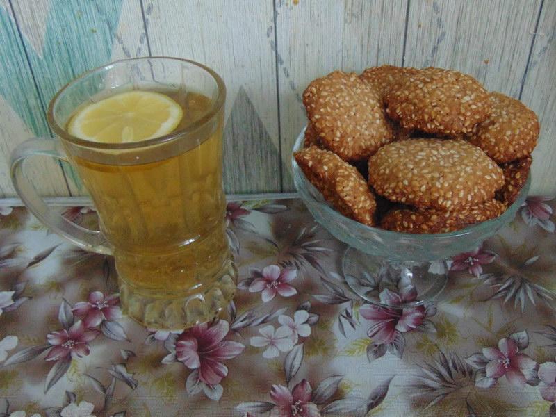 Кунжутное печенье с кукурузной мукой