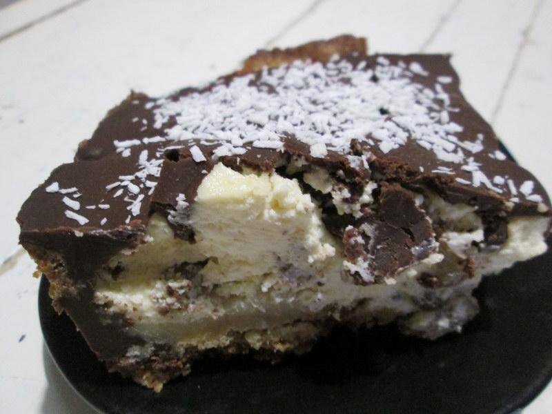 Сладкий киш или чизкейк с шоколадной корочкой