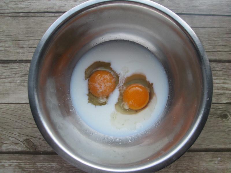 Луковые колечки - хорошая закуска, чтобы похрустеть под сериал