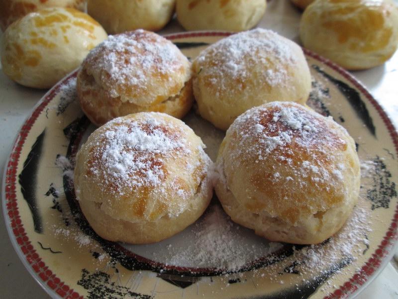 Дрожжевые несладкие булочки с начинкой из желудочков