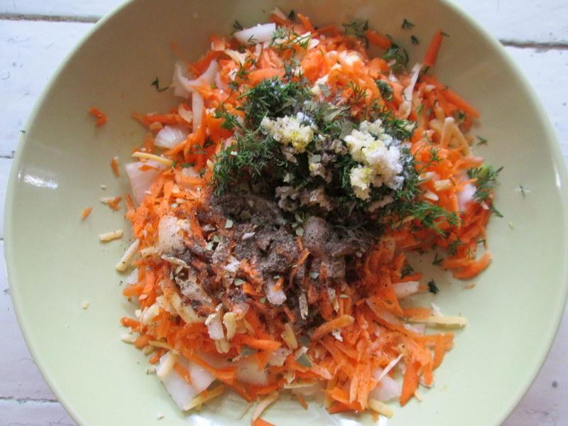 Пирог из слабосолёной селёдки с овощами - удивительный рецепт