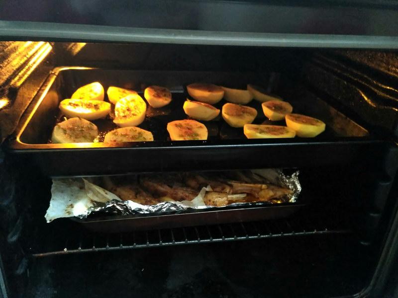 Сочно готовлю баранину в духовке под фирменным соусом