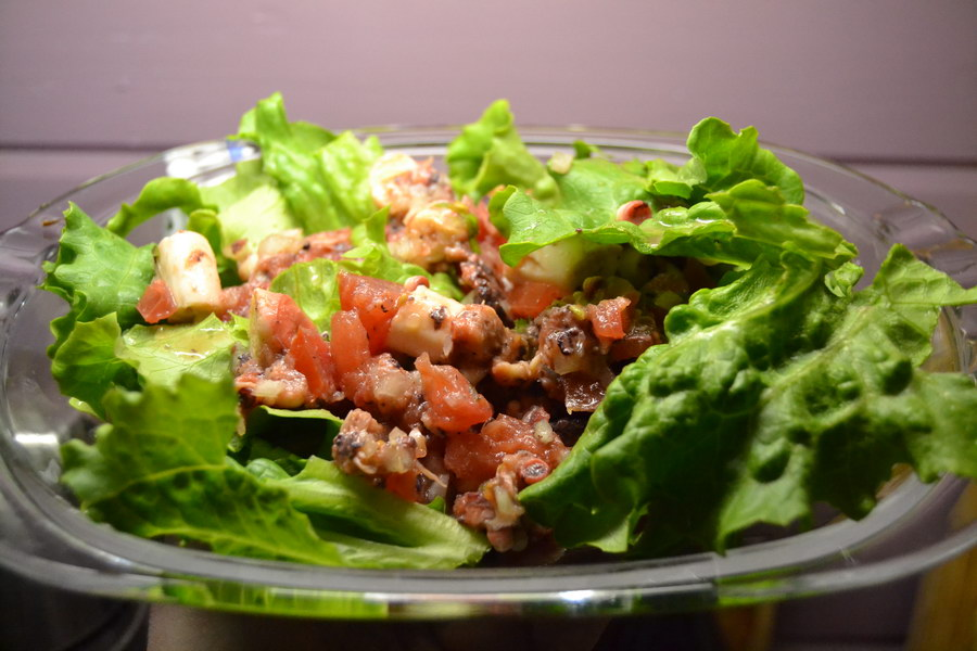 Салат из осьминога по-средиземноморски
