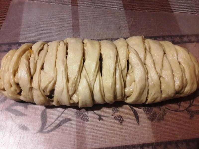 Закусочный пирог-плетёнка - замечательный вариант для завтрака или перекуса