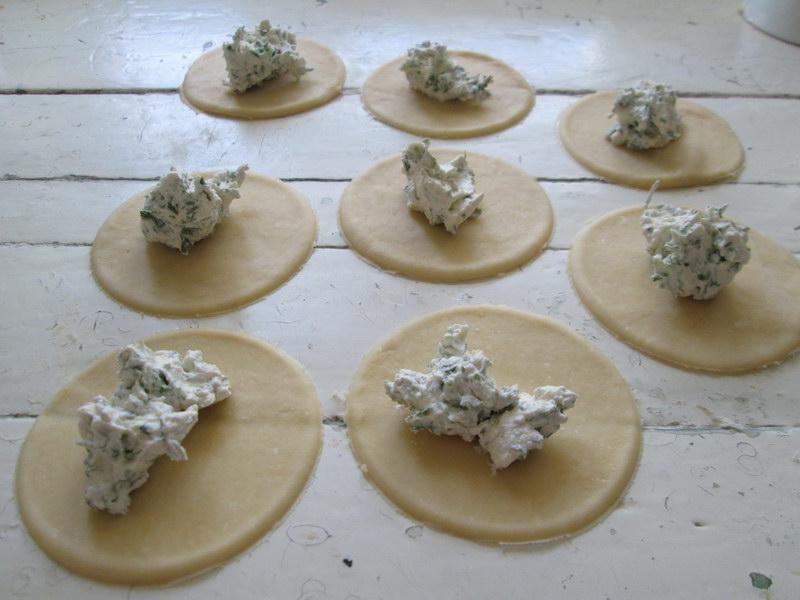 Всегда пышные «Булочки-пирожки» треугольники с начинкой