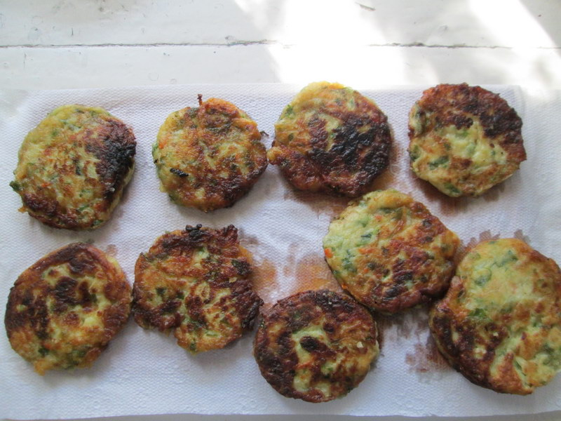 Мини-пирог из картофельных коржей - оригинальная и очень вкусная закуска