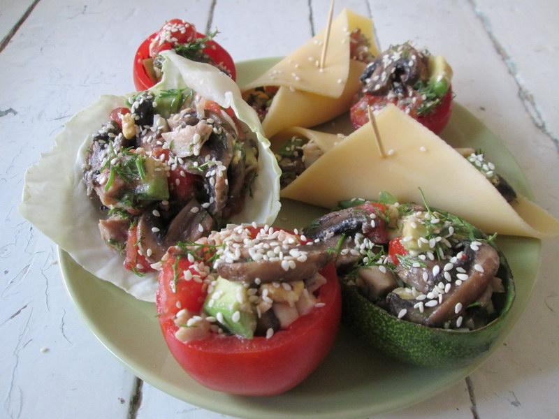 Салат из авокадо, как праздник – вариант для фуршетной закуски