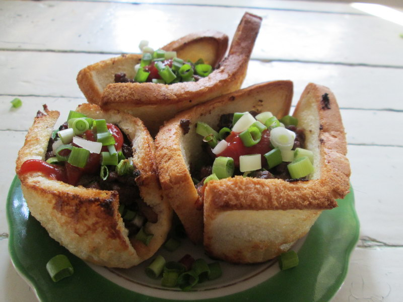Новая закуска к праздничному столу «Корзинки из хлебного теста»