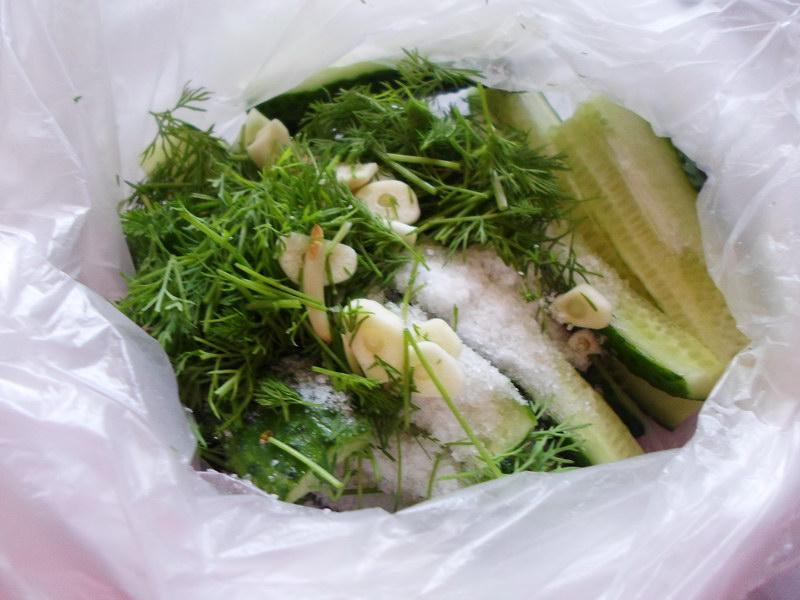 Любимые малосольные огурчики в пакете - всегда сочные и хрустящие (Как раз цены низкие, как в сезон, вот и не устояла)