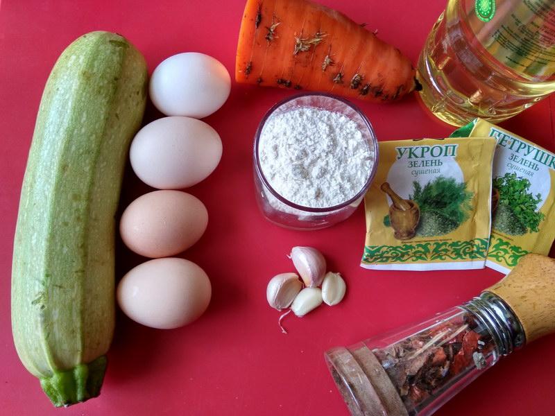 Новенькая закуска из кабачка «Рулет с яйцом»