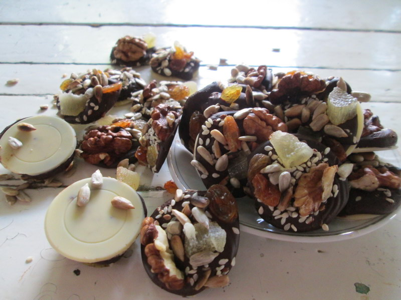 «Грильяж по-деревенски» - много шоколада и орехов и главное дешевле, чем в магазине