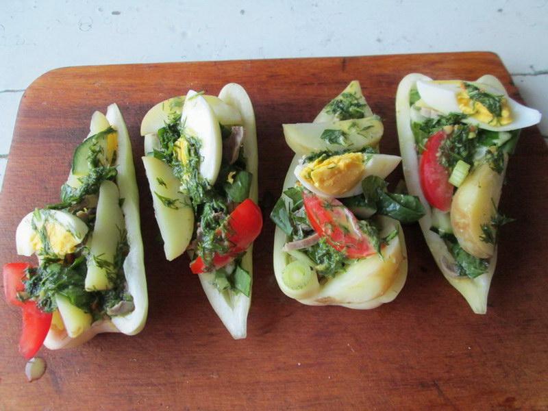 Зелёный салат с аппетитными желудочками