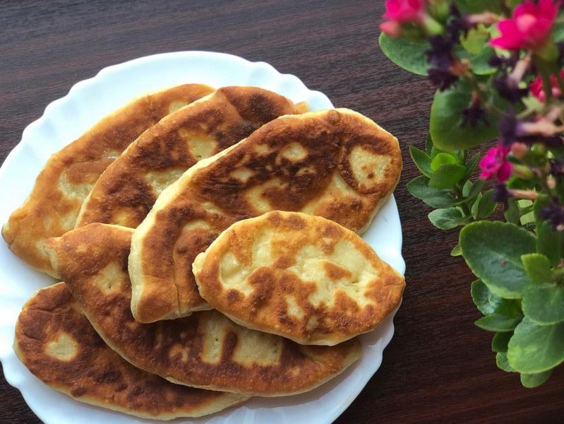 Жареные пирожки с картошкой на тесте из кефира