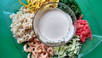 Ленивый японский салат «А-ля ролл» с креветками