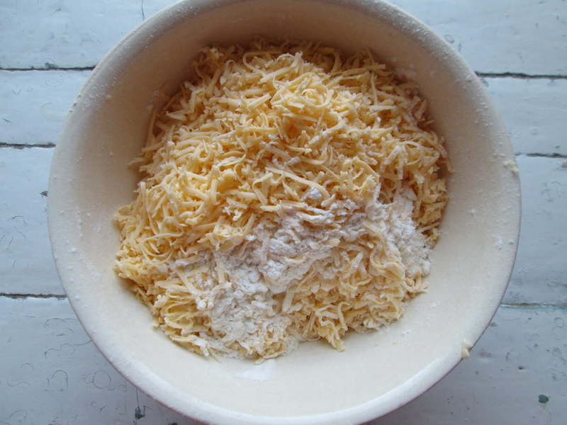 Очень удобная закуска в дорогу «Сырные сконы» хорошо хранятся и без холодильника
