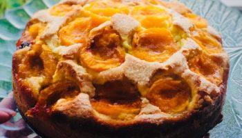 Мой любимый летний пирог к чаю — тесто в меру сладкое, очень мягкое и нежное