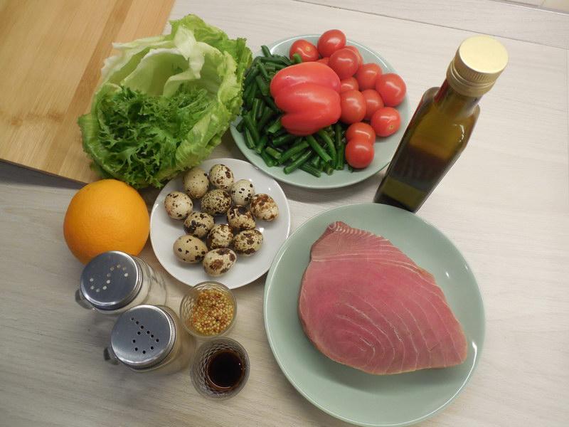 Был повод. Приготовила салат «Нисуаз» - всё просто, но дорого и изысканно, и действительно вкусно. Делюсь рецептом