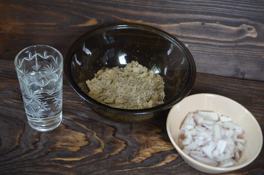 Льняные луковые котлетки – рецепт моей возрастной подруги вегетарианки, а она знает толк. Уже более 40 лет без мяса