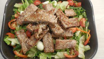 Был повод. Приготовила салат «Нисуаз» — всё просто, но дорого и изысканно, и действительно вкусно. Делюсь рецептом