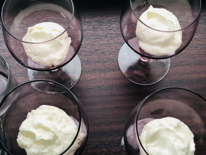 Вишневый трайфл (Порционный десерт в стакане, для тех пробовал торт «чёрный лес» десерт точно придётся по вкусу)