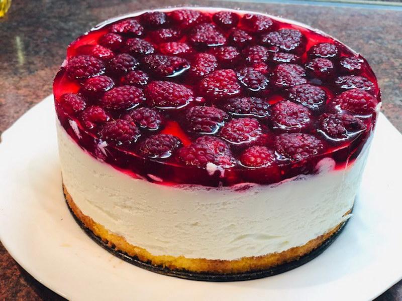 Мой особенный. Творожно-муссовый торт с малиной - выглядит эффектно и просто тает во рту