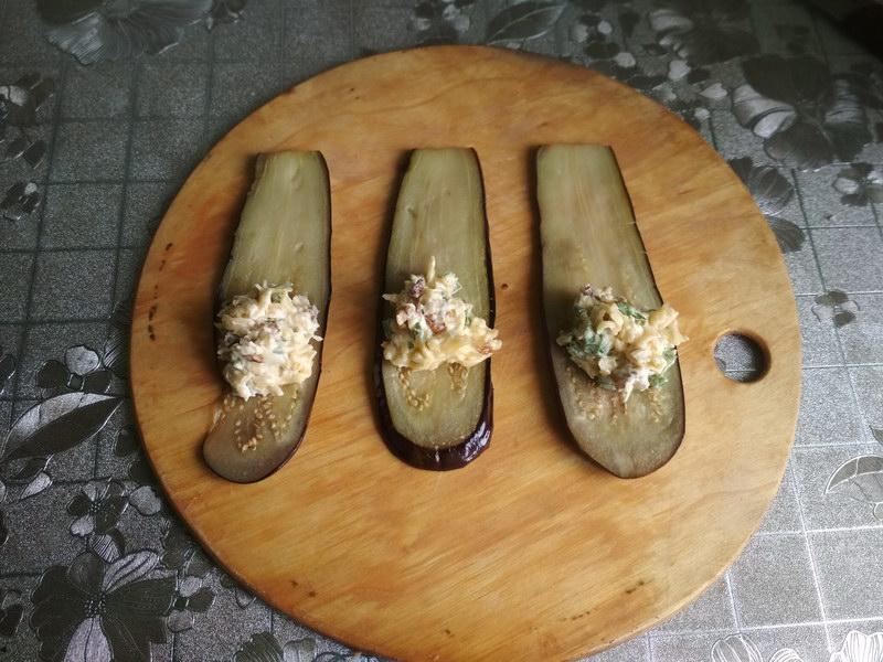 Рулетики из баклажанов с сыром и орехами – вся семья обожает эту закуску, готовы кушать её хоть каждый день