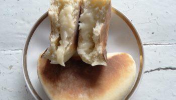 Мои идеальные пирожки их воздушного дрожжевого теста в сочетании с нежной начинкой из заварного крема (жарю без масла!)