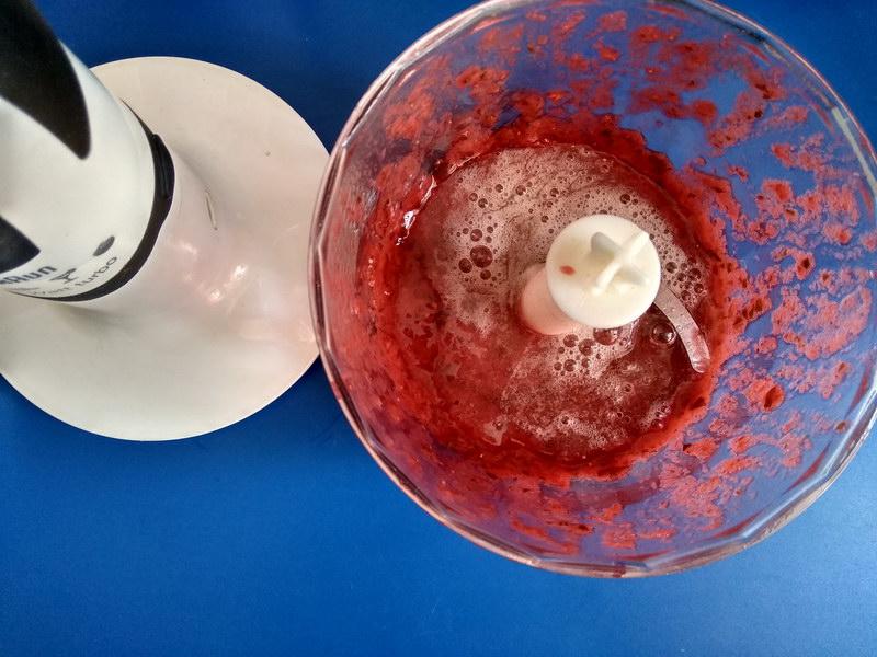 Летний французский десерт из ягод. Почти мороженное, только без молока