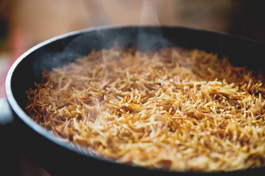 Вкусная вермишель на сковороде. Оказывается, макароны можно не только варить