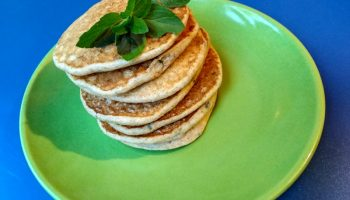 Мой рецепт по-летнему освежающего завтрака — «Мятные оладьи»