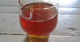 Проверенная домашняя наливка из вишни — сладко и не слишком пьяно