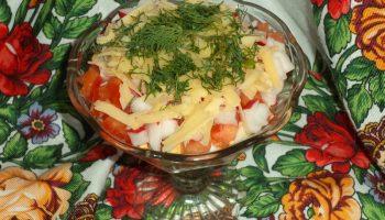 Делаю простой, но вкусный салат-коктейль с ветчиной и овощами