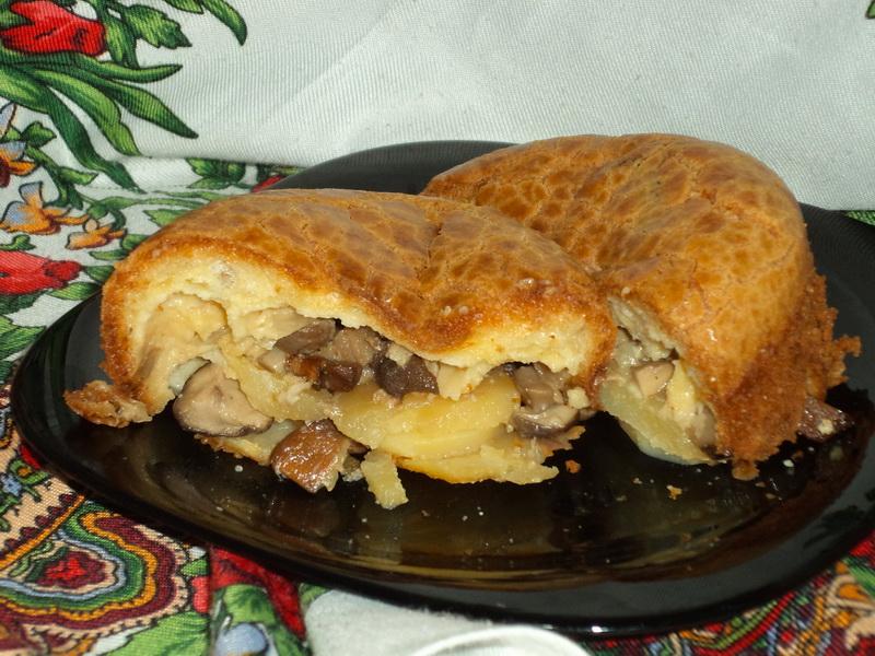 Заливной пирог на скорую руку с грибами и картофелем