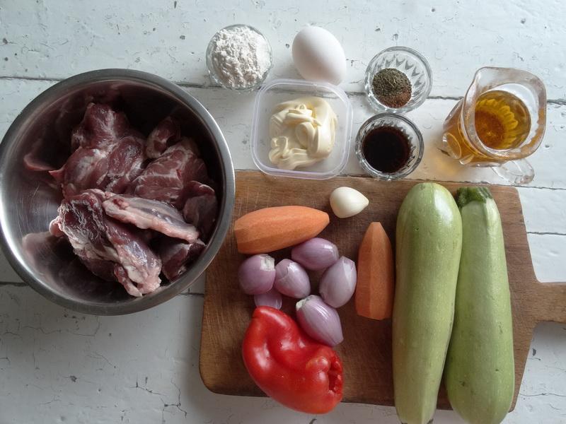 Мой обалденный мясной рулет. Лепёшку-основу готовлю из кабачков и моркови и это просто находка
