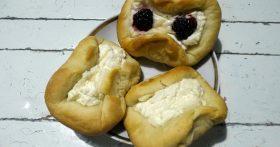 Турецкие пирожки-лепёшки. Именно за пушистое тесто, я так люблю этот рецепт!