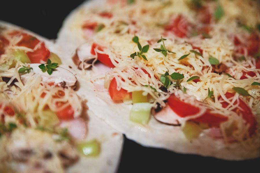 «Пиццадилья» - быстрая пицца на тортилье буквально за 15 минут