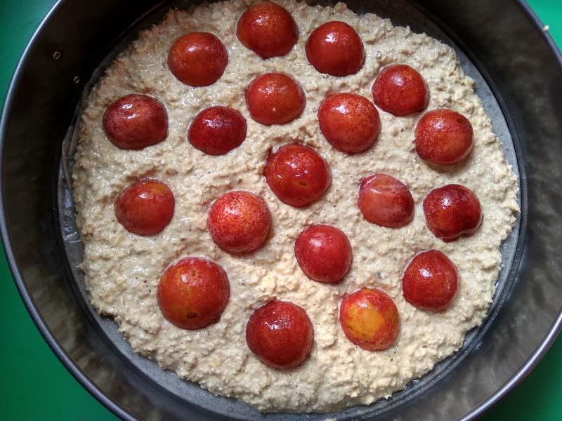 Овсяный пирог со сливой. Рецепт без муки и сахара. Мой главный осенний десерт для малышей