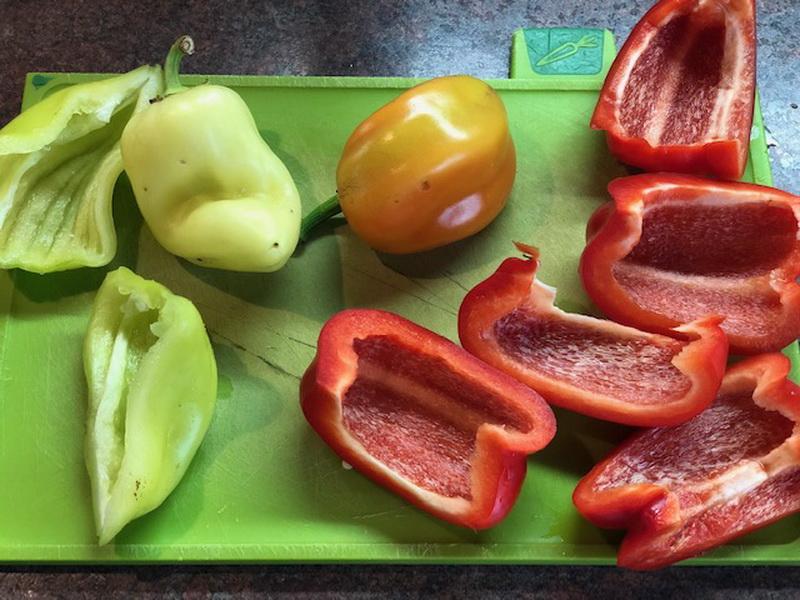 Расскажу, как приготовить в духовке наивкуснейшее блюдо из овощей «Аджапсандал». На Кавказе - популярно везде