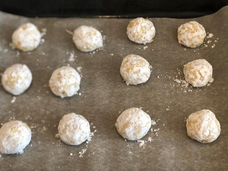 Приготовила очередной кулинарный хит «Лимонное мраморное печенье». Есть один минус: ешь и не можешь остановиться!